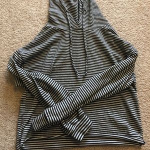 Sweaters - striped cropped hoodie